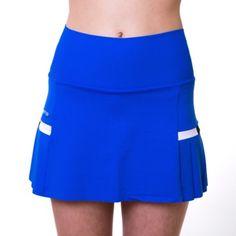 Falda de padel Naffta. Color azul, composicion 75% Poliamida, 25% Elastano. Falda con tablas en los costados con piezas de tres colores contraste. Lleva short interior a tono con la prenda. http://www.winpadel.com/ropa-de-padel/falda-de-padel-naffta-azul