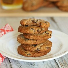 Almost Oatmeal Cookies http://www.prevention.com/food/paleo-grain-free-baking-recipes/slide/2