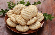 fursecuri cu fulgi de ovaz si miere Baby Food Recipes, Cookie Recipes, Healthy Recipes, Baby Eating, Cake Cookies, Vegan Gluten Free, Deserts, Food And Drink, Yummy Food