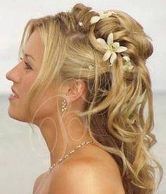 comparestagandhen love this #wedding hair style, half up, half down.