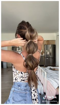 Long Ponytail Hairstyles, Ponytail Hairstyles Tutorial, Ponytail Tutorial, Gym Hairstyles, Braid Ponytail, Hairstyles For Medium Length Hair, Hairstyles For Women, Pretty Hairstyles For School, Beach Hairstyles For Long Hair