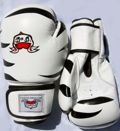 10 oz white black tiger boxing glove - Fighter girls