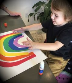 making a rainbow to emphasize the sound of letter R, colors, largest to smallest sizes.