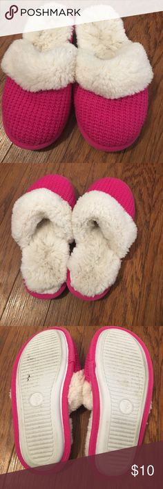 Victoria's Secret slippers VS slippers worn a couple times. Super soft fur!         Size 5/6 PINK Victoria's Secret Shoes Slippers
