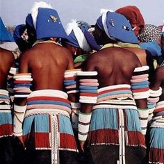 Married Ntwane women wearing beaded back skirts, Mpumalanga, South Africa. Religions Du Monde, Cultures Du Monde, World Cultures, Tribal Costume, Folk Costume, Tribal Dress, African Culture, African History, African Beauty