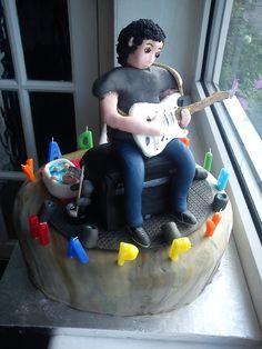 Guitar player cake