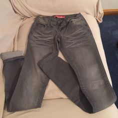 Gray low rise skinny jeans Gray low rise skinny jeans. Extra stretchy and very comfortable! Jeans Skinny
