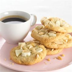 Almonds and #whitechocolate make a delicious combination in these #cookies. #recipes #baking