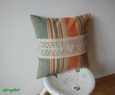 kissenbezug landhaus mit häckelborte ♥ geschenk von alpenglück auf DaWanda.com