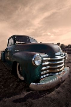 Beautiful composition of a classic American Chevy truck. Old Pickup Trucks, Jeep Pickup, Gmc Trucks, Cool Trucks, Cool Cars, Chevrolet Trucks, Diesel Trucks, Toyota Trucks, Lifted Trucks