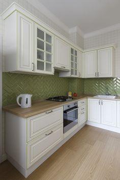 Кухня: кухонный гарнитур, «Анонс», керамическая плитка, Cevica Metro.