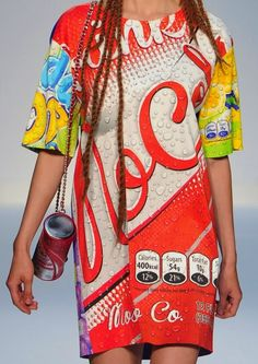 patternprints journal: PRINTS, PATTERNS AND SURFACES FROM LONDON FASHION WEEK (WOMAN COLLECTIONS SPRING/SUMMER 2015) / Moschino