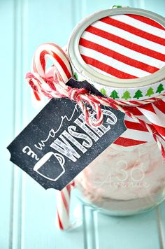 Gift Idea : Peppermint Hot Chocolate and Free Tag Printables the36thavenue.com
