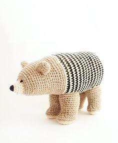 Items similar to Eco-cotton Crochet Bear / Soft toy with a bag / Ós bru / Brown bear / Oso pardo on Etsy