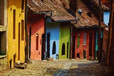Street In Sighisoara, Transilvania, Romania Colourful Buildings, City Buildings, Strange Places, Cities In Europe, Medieval Town, Architecture Old, Europe Travel Tips, Adventure Is Out There, The Good Place