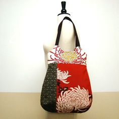Etsy の Kimono And Obi Patched Tote Magic flower by tamamikobag