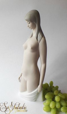 """AMAZING! 13""""/ 33cm Spanish Lladro 4512 - Elegant Nude Torso of a young woman hand made of colo(u)red BISQUE porcelain/ china. Spain- Vintage retired matte china figurine of a (kneeling) nude woman (Torso Desnudo) with long hair and a beautiful body, probably by sculptor Juan Huerta, made from 1969-1985. K-14 F Lladro. In good condition By SoVintastic, €260"""