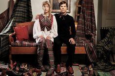 Wetterhoff Wintage – kangas-, jalkine- ja vaatemallisto, kangaslaatujen tuotekehitys, tuotteiden tuotekehitys // Tilaaja/Client: HAMK Muotoilun koulutushjelma // Suunnittelijat/Designs: Open Source, Aino Lindgren, Yukako Hanano, 2009-2010 // Yhteistyökumppanit/Partners: Jalkineen ja vaatetuksen pääaineet, Tekstiiliverstas // Projektin tukijat: HAMK-Säätiö, Emil Aaltosen muistorahasto, Suomen Kulttuurirahasto