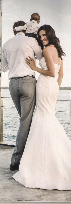 Daniela Ruah's wedding - family picture. please be more precious