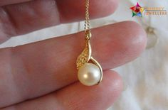 The original pearl stone is a flawless, smooth, shining, round stone. It has a soft glamour and attractiveness which makes it look very beautiful.  #pearl #pearlstone #buypearl #pendant #jewelry #online #Sehdev
