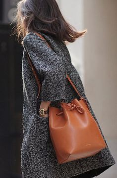 street style / coat + leather