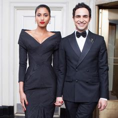 Yesterday leaving the @thecarlylehotel with the amazing @zacposen ❤️