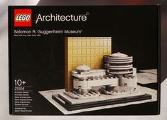 LEGO Architecture Solomon R Guggenheim Museum 2009 Frank Lloyd Wright Collection