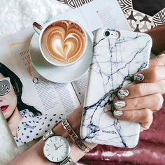 @madotta When your nails matches your case!  #madotta #whitemarble  Photo by @pazitea  more on http://ift.tt/2ctGaaW