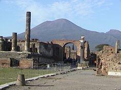 Pompeii_with_Vesuvius_in_background.bmp (640×480)
