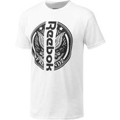 Reebok Classic x Freebandz Tee (180 BRL) ❤ liked on Polyvore featuring men's fashion, men's clothing, men's shirts, men's t-shirts, apparel, men, white, mens crew neck t shirts, j crew mens shirts and mens white shirts