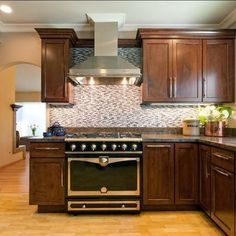 Kitchen cabinets with crown molding, ceiling crown molding