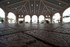 Waiting for Ground Transport in Orlando Florida at the Rosen Shingle Creek Resort via 2sheldn at Flickr | Pinned by Rosen Hotels | #rosen #rosenhotels #orlando #florida #rosenshinglecreek #hotel #resort #idrive