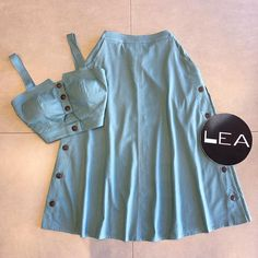 Lea Modas 🛍 Kpop Outfits, Fall Fashion Outfits, Chic Outfits, New Outfits, Summer Outfits, Fashion Dresses, Denim Skirt Outfits, Crop Top Outfits, Elegant Backless Dress