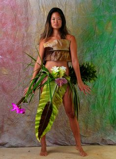 """""""The Birth Of Fashion Revisited"""" project of foliage couture by Louda Larrain inspired by the exuberant nature of Kauai. Photography: Gilles Larrain (www.gilleslarrain...) Model: Monica Chung"""
