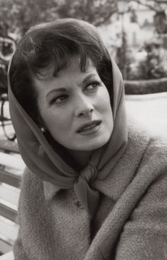 The actress Maureen O'Hara born Maureen FitzSimons on August in Ranelagh, Dublin, Ireland. Old Hollywood Glamour, Classic Hollywood, Dublin, Celebrities Who Died, Maureen O'hara, Guys And Dolls, Classic Beauty, Hollywood Actresses, Most Beautiful Women