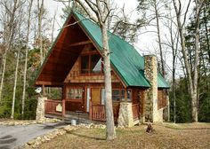 Hidden Romance #1404 - THis is a cozy 1 bedroom cabin in the Smokies. Perfect for your next romantic vacation! http://www.auntbugs.com/Pigeon-Forge-Cabins/hidden-romance-1404-1660-69434