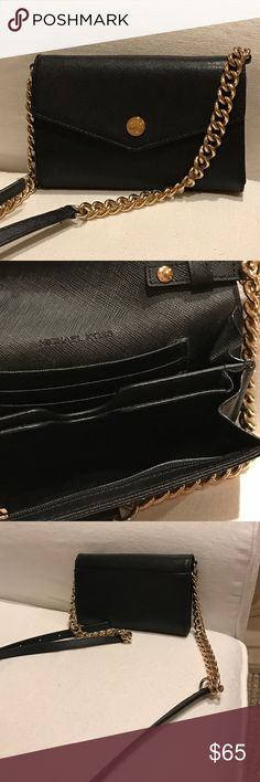 Michael Kors Crossbody🔹 Michael Kors Crossbody🔹. Strap is detachable, middle section for small phone, 3 card slots and zippered pocket inside.  Slip pocket on back of outside. Great preowned condition Michael Kors Bags Crossbody Bags