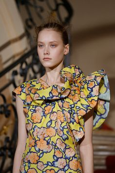 Viktor & Rolf Spring 2015 Ready-to-Wear - Collection - Gallery - Look 1 - Style.com