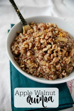 Craving something healthy on this lovely morning? This dish works as breakfast, lunch or a side! Apples provide a comforting sweetness, orange zest a depth of flavor, cinnamon a festive background and Whole Food Recipes, Vegan Recipes, Cooking Recipes, 7 Day Diet Plan, Diet Plans, High Blood Pressure Diet, Quinoa Breakfast, Breakfast Recipes, Sunday Breakfast