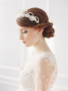 The Unbelievably Beautiful 'I Wish I May' Collection from Erica Elizabeth Designs - Chic Vintage Brides Wedding Prep, Mod Wedding, Green Wedding, Wedding Blog, Veil Hairstyles, Wedding Hairstyles, Bridal Crown, Bridal Veils, Chic Vintage Brides