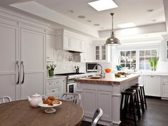 Traditional Kitchen in Menlo Park Kitchen Dining TraditionalNeoclassical Transitional by Fiorella Design, LLC White Kitchen, Transitional Kitchen, Small Kitchen, Kitchen Remodel, New Kitchen, Rustic Kitchen Cabinets, Rustic Kitchen, Resurfacing Kitchen Cabinets, Kitchen Design
