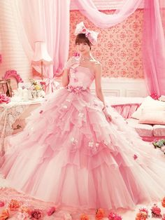 Image via We Heart It https://weheartit.com/entry/37319043 #cute #fashion #girl #girly #glamorous #gown #happy #japanese #kawaii #luxurious #marie #pink #pretty #rose #wedding #weddingdress #vestidodenoiva