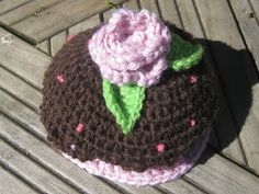Knitted Cupcake Hat Pattern All Knitted Up The Republic Hat Cupcake Hat Momadvice. Knitted Cupcake Hat Pattern Cute Little Hat For My Nephew Caron Cup. Crochet Cupcake Hat, Crochet Food, Crochet Gifts, Crochet For Kids, Crochet Ideas, Newborn Crochet, Crochet Baby, Free Crochet, Crochet Mittens