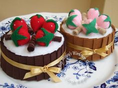 Felt Chocolate Cake (music box) by Shirley's Workshop, via Flickr