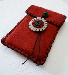 Red and Black Felt Ipod Iphone Smart Phone Cell por SweetlyFelt