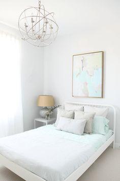 Daniela Pluviati Home Staging - Daniela Pluviati Home Staging ikea bed frame, Sherwin Williams Rhinestone is the wall colour