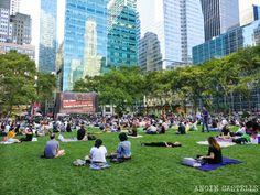 Cine al aire libre Nueva York Bryant Park Fechas Central Park, Brooklyn, Bryant Park, Landscape Architecture, Bangkok, New York City, Dolores Park, Washington, Nyc