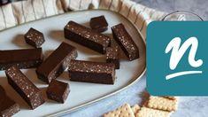 Sportszelet egyszerűen recept   Nosalty Candy, Chocolate, Food, Youtube, Essen, Chocolates, Meals, Sweets, Candy Bars