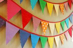 Te enseñamos cómo realizar unos banderines de tela en tan sólo diez pasos. Diy Birthday Banner, Baby Birthday, Birthday Decorations, Birthday Parties, Crafts To Make, Crafts For Kids, Diy Crafts, Candy Bar Party, Ideas Para Fiestas