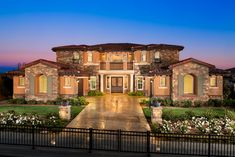 Masters at Moorpark Country Club is an outstanding new home community in Moorpark, CA that offers a variety of luxurious home designs in a great location.